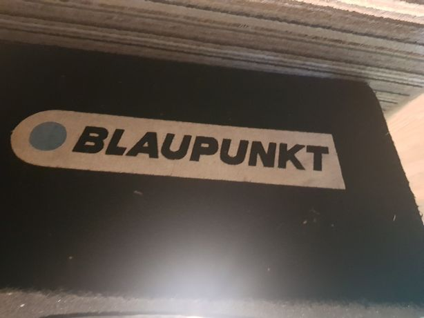 Skrzynia tuba subwoofer blaupunkt z glosnikiem XS masywny