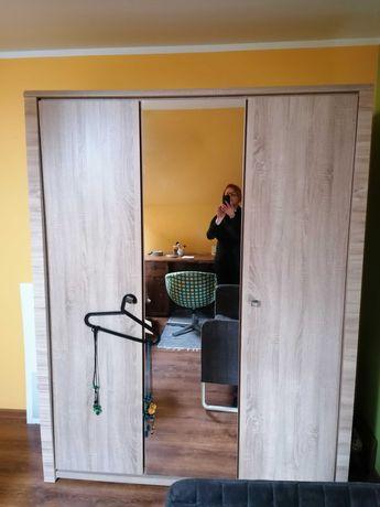 Szafa 3 drzwiowa z lustrem