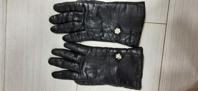 Продам кожанные перчатки,состояние хорошее!