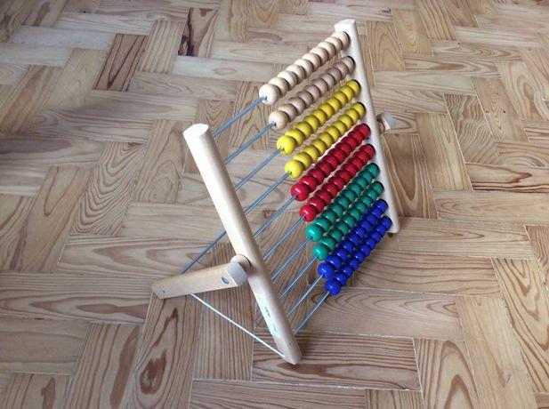 Ikea calculadora de madeira