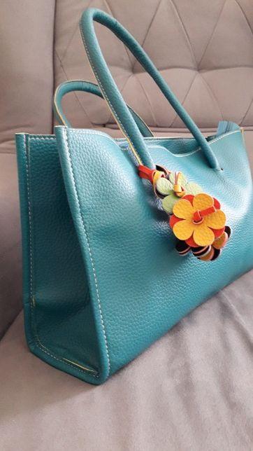 Turkusowa torebka z kwiatami, do ręki, jak nowa