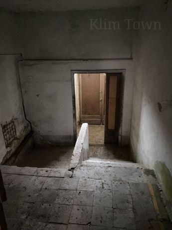 Продається кімната з фасадним виходом в р-ні 7 садочка