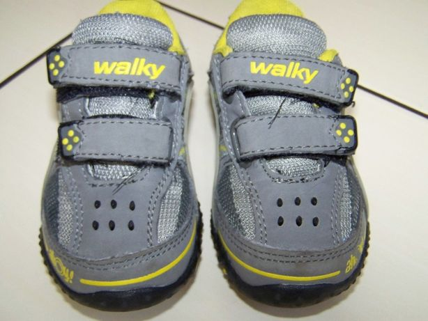 Adidaski Walky r. 21