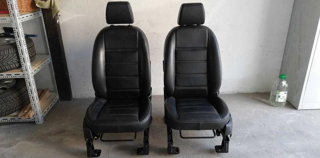 Ford Kuga mk1 skóra fotele kanapa podgrzewane, stoliki.