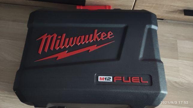 Milwaukee piła taśmowa walizka