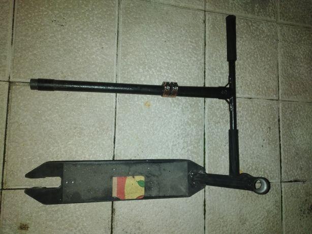 Trotinete- guiador, deck, e clamp