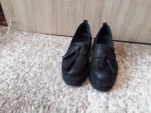 Кожаные лоферы.Мокасины.Туфли с кисточками.Лоферы.Подарок на 8 марта