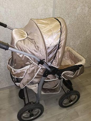 Детская коляска  *