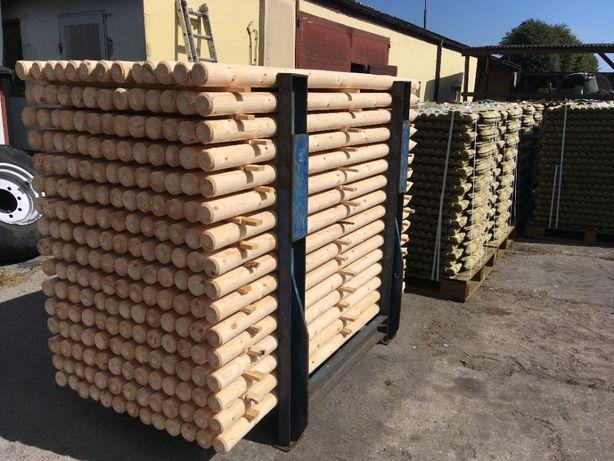 Słupki drewniane ogrodzeniowe paliki bale palisada płot siatka leśna