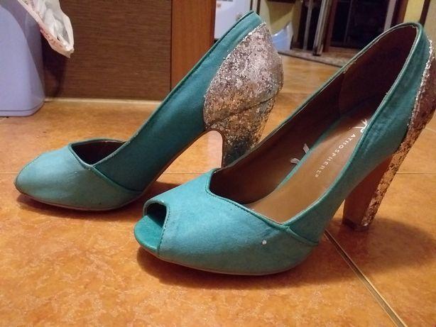 Нарядные красивые туфли atmosphere
