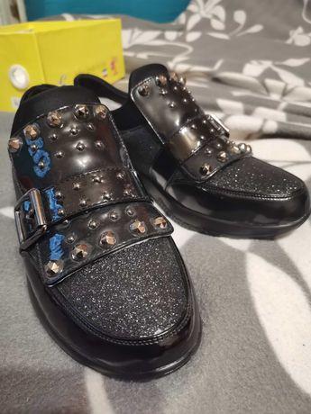 Туфлі дитячі нові