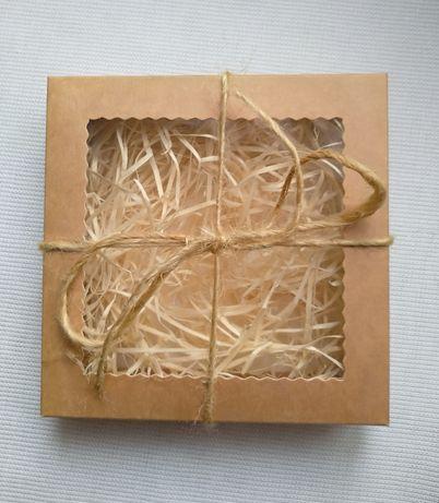 Подарункова Крафт  з вікном з наповнювачем, подарочная