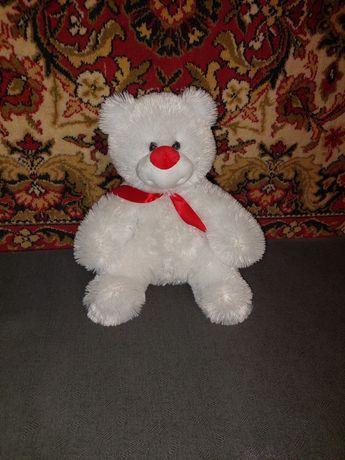 Белый медвеженок