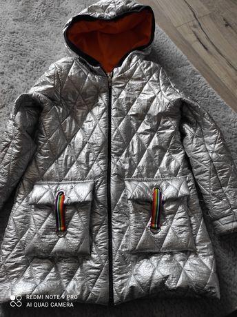 Płaszczyk płaszcz kurtka kurteczka wiosenny wiosna mała mi 134 140