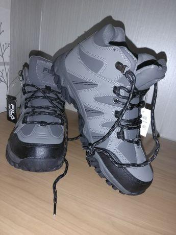 Продам ботинки серые