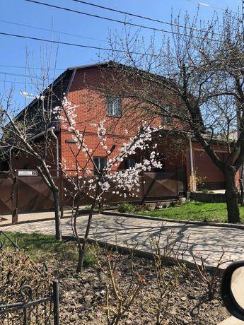 Дом двухэтажный в отличном районе между ул Иванова и Уральскими