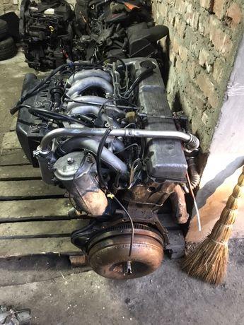 Двигун Мотор Двигатєль Mercedes 3.0 2.5D w 124/Vito2.3TD/2.2 cdi w 611