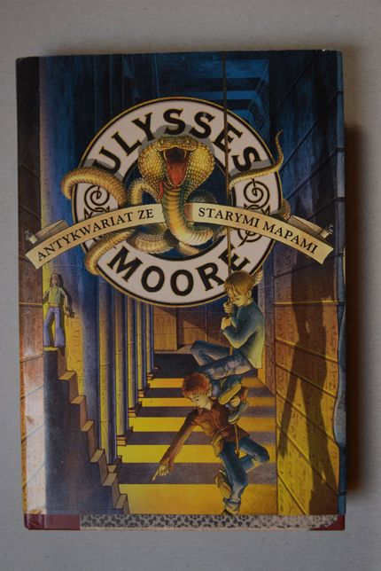 Sprzedam książkę Ulysses Moore Antykwariat ze starymi mapami