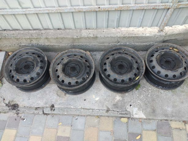 продаю диски стальные 15 . 4 х 114,3 или меняю на 15,  4 х 100