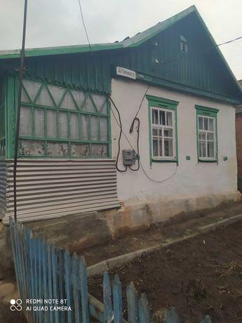 Продаю небольшой домик. Приходи и живи. Северск Донецкой обл.