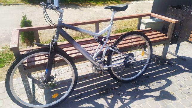 Двухподвесний велосипед 28