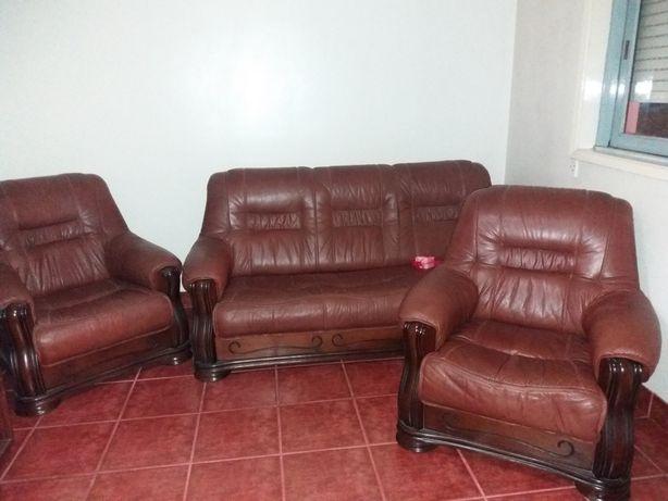 Conjunto de sofás vintage em pele