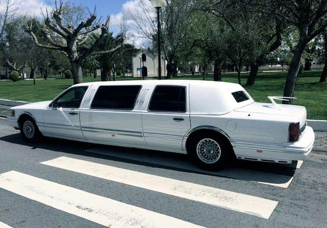 Limousine para Casamentos, Eventos, Tours Turísticos, Carros Clássicos