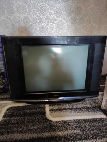 Телевизор LG и монитор Samsung