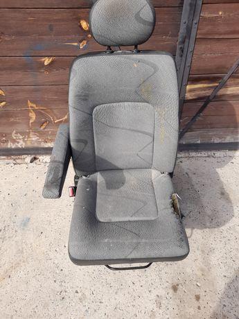 Fotel kierowcy siedzenie Master ll lift 2007rok