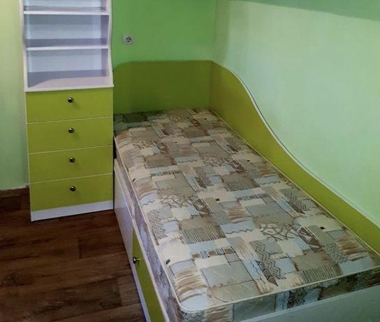 Комплект детской мебели (кровать, пенал, стол, полки с выдвижными шкаф