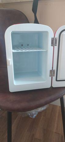 mini frigobar praticamente novo