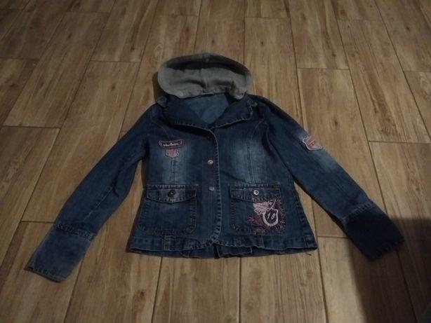 Przepiekna jeansowa kurtka dla dziewczynki z odpinanym kapturem