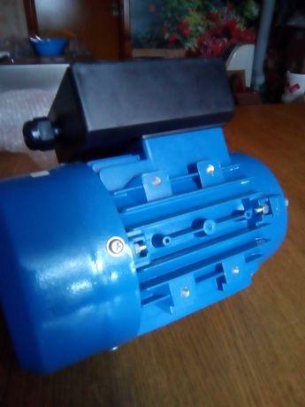 Silnik elektryczny 0,18kw 1F 230v