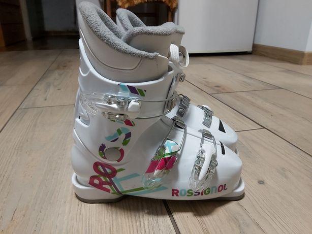 Buty narciarskie dla dziewczynki.