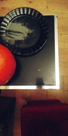 Stylowy zestaw do małych pomieszczeń pufa-pojemnik stolik patera