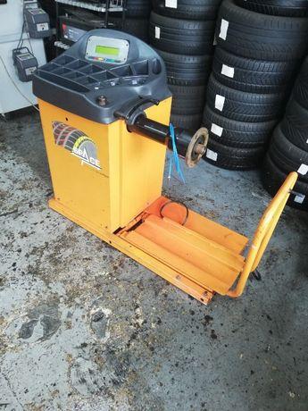 Maquina de equilibrar rodas de camião