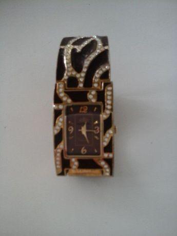 Фирменные часы ELIT