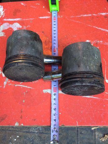 Поршні з кільцями і пальцями ЗАЗ 968 2 штуки Поршни с колцами и пальца