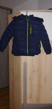 Zimowa kurtka chłopięca jak nowa r.128