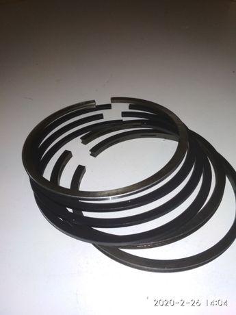 Ursus C325 pierścienie tłokowe