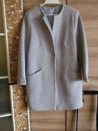 Płaszcz wiosenny z bukli