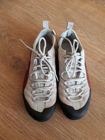 37,5 кроссовки кожаные фирменные Puma кросівки шкіряні металки Пума 38