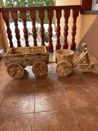 rower z wozem pelnym z drewna