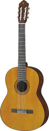 Guitarra Yamaha quase nova, nem tem 1 ano uso
