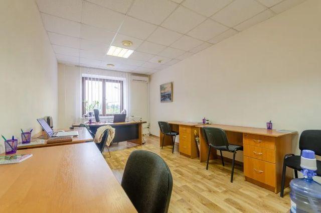 Только после ремонта отличный офис 25.5м2 в ОЦ на Лукьяновке ЦЕНТР