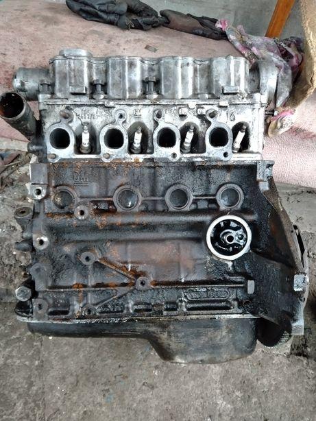 Opel kadett двигатель , головка гбц 1,6