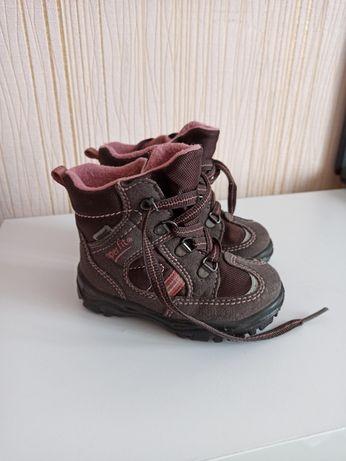 Теплі черевички 22р.