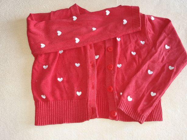 Sweterek czerwony w serduszka