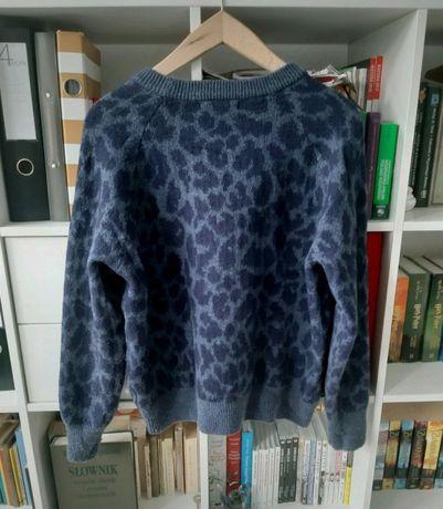 Granatowy sweter w panterkę H&M