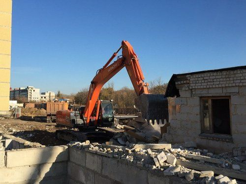 Демонтаж домов,гаражей,заборов.Подготовка участка под строительство.
